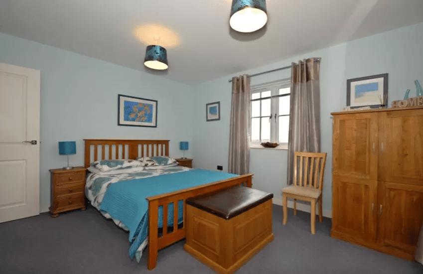 Master Bedroom Maes Y Gwaelod
